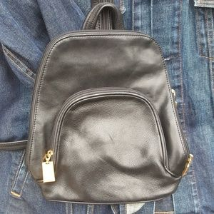 BACKPACK😊Stunning and fun all at once